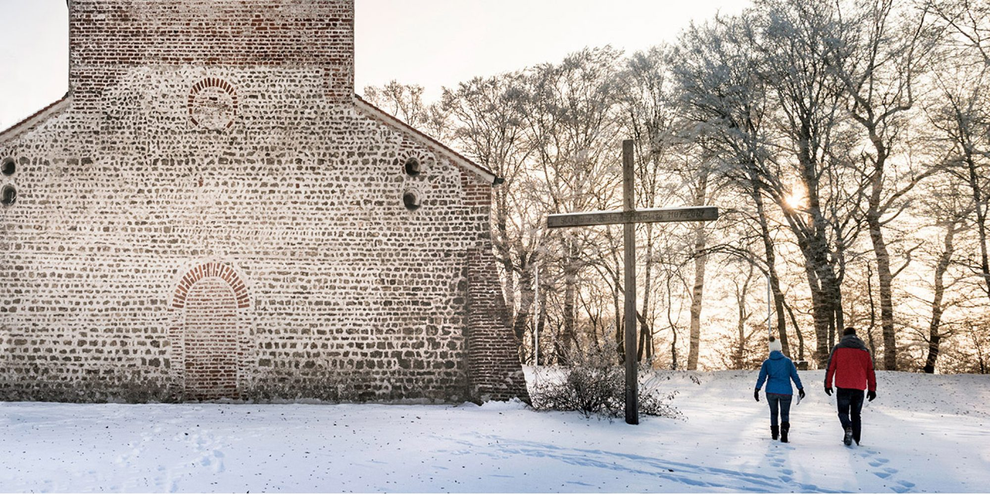 Winteransicht Basilika am Petersberg