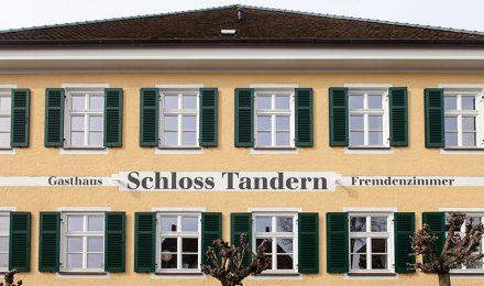 Außenansicht Gasthaus Schloss Tandern